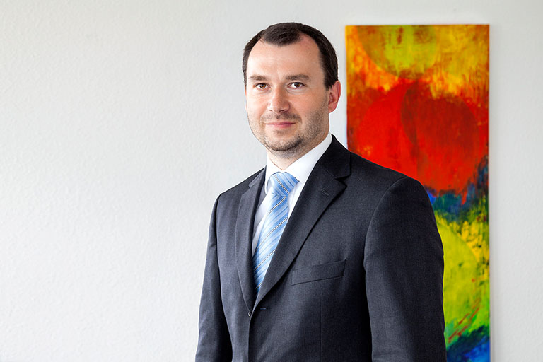 Dr. Sebastian Adler